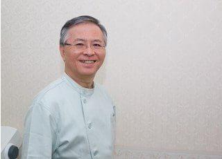 院長の佐藤 英彦です。日本矯正歯科学会の専門医ですので、安心してお任せください。