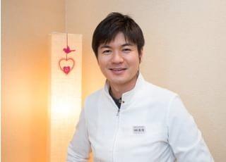 医療法人 文成会 ホワイトデンタルクリニック 坂場 雄司 院長 歯科医師 男性