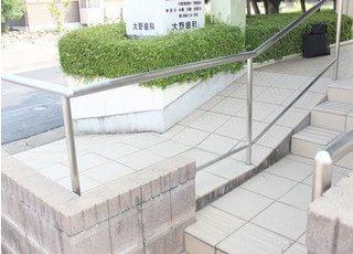 階段以外にもスロープもついています。