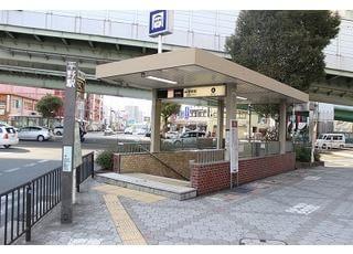大阪市営地下鉄の平野駅の4番出口から徒歩5分です。