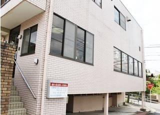 高蔵寺駅より車で15分のところにある、藤山台かわだ歯科医院です。