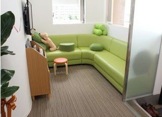 待合室です。治療の前後にはこちらでお待ちください。
