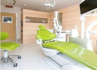 診療室です。周りに気を遣うことなく治療を受けることができます。
