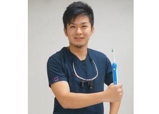 やすおか歯科医院 安岡 大介 院長 歯科医師 男性
