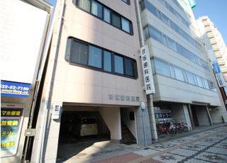豊橋鉄道新川駅の北側にあります。