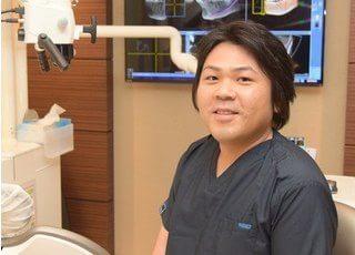 院長の藤井は洗練された歯科技術で患者様にご満足頂ける治療をご提供します。