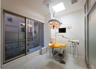 豊岡ヘルシー歯科クリニック_目立ちにくく難症例にも対応できる治療を目指して
