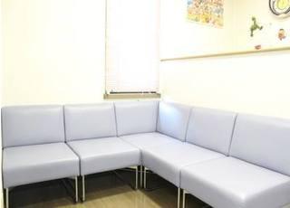 待合室です。診療前後にはこちらでお待ち下さい。
