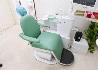 患者様が座る歯科用の治療ユニットです。