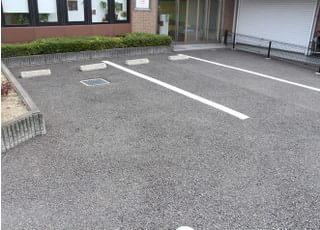 駐車場がございますので、お車での通院も可能です。
