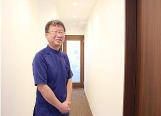 医療法人きしもと歯科医院(JR高槻駅前) 岸本 博人 院長 歯科医師 男性