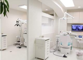 メンテナンス用の診療室です。リラックスしてクリーニングが受けられるよう、半個室になっています。