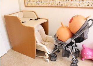 ベビーシートを設置しています。小さなお子様をお連れの方も安心の環境です。