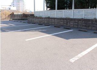 駐車場をご用意しておりますのでお車でもお越しいただけます。