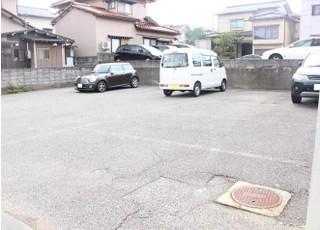 第二駐車場は広いです。