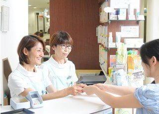 関川歯科医院の受付スタッフです。