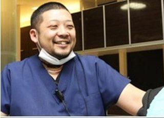 院長です。皆様の素敵な笑顔のために診療いたします。