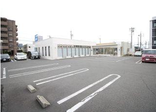 お車でお越しの方は、医院前の駐車スペースをご利用ください。