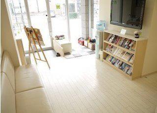 待合室には、雑誌などのご用意もございます。