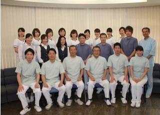 森山歯科クリニック_歯科医師やスタッフが連携して、患者さんの負担が少なくなるように配慮