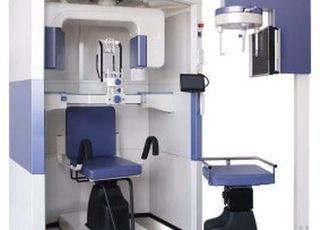 歯科用CT機です。より安全と確実な治療を行っていきます。