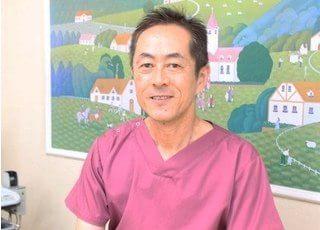 院長の尾野 康夫(おの やすお)です。皆様のかかりつけ医として信頼されるよう技術向上に努めてまいります。