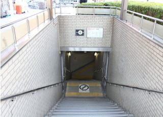 御堂筋線長居駅の6番出口よりすぐの場所にございます