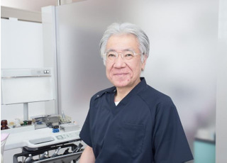 すずき歯科医院 鈴木 敏経 院長 歯科医師 男性