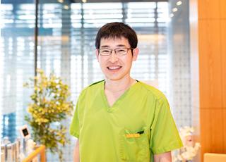 ホワイトエッセンス・ウィンデンタルクリニック 山本 勝商 院長 歯科医師 男性