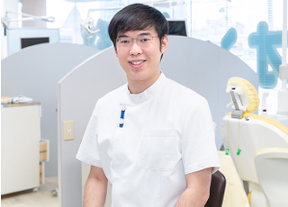 オリオン歯科 湯浅 宏 院長 歯科医師 男性