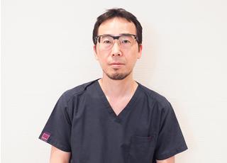 しじみデンタルクリニック 岩﨑 敏行 院長 歯科医師 男性