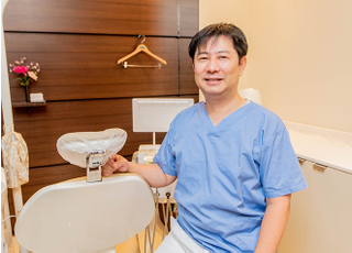 フォレスト歯科 皿田 学 院長 歯科医師 男性