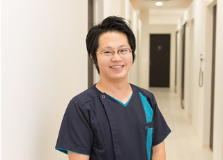 HIBARIGAOKA DENTAL OFFICE 松山 智典 院長 歯科医師 男性