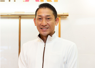 ティースアート矯正歯科 渋谷 椿 丈二 院長 歯科医師 男性