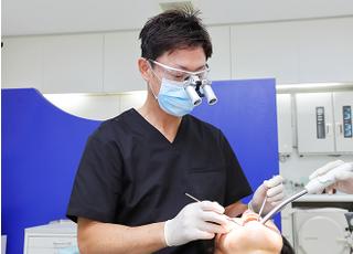 あだちデンタルクリニック 安達 栄 院長 歯科医師 男性