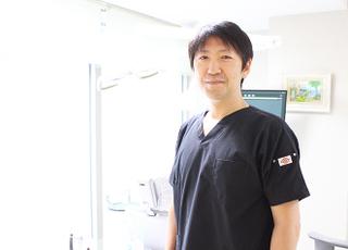 神田デンタルケアクリニック 海老澤 博 院長 歯科医師 男性