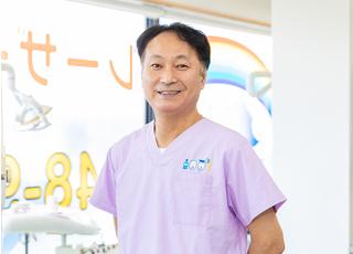 アート歯科 梁 宏行 院長 歯科医師 男性