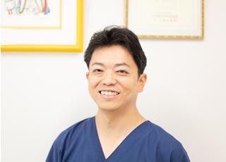 秋山歯科医院 秋山 剛久 院長 歯科医師 男性