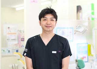 らいおん歯科クリニック 16号医院 井上 和英 院長 歯科医師 男性