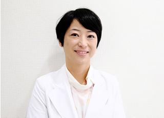 暁の歯科ケア 飯島 暁子 院長 歯科医師 女性