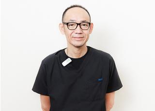 ファミーユ歯科 三串 雄俊 院長 歯科医師 男性
