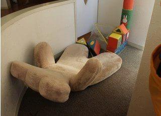 キッズスペースにはお子様の喜ぶおもちゃを豊富にご用意しています。