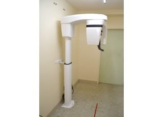 デジタルレントゲンを使い、X線照射量の少ない体に優しい撮影を行って診断します。