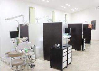 診療室内は、仕切られております。