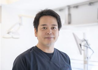 内丸歯科クリニック 高橋 康平 院長 歯科医師 男性