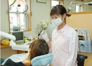 治療風景です。スタッフが優しく対応いたしますので、お悩みなどお気軽にご相談ください。
