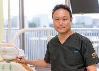 奥田院長は患者様の笑顔の為に必要な院内環境づくりに力を入れています。