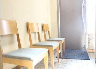 待合室です。ごゆっくりおくつろぎください。