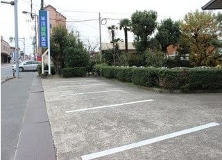 駐車場をご用意しています。
