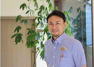 西尾城下町矯正歯科ブルーノ 髙須 寛貴 先生 歯科医師 男性